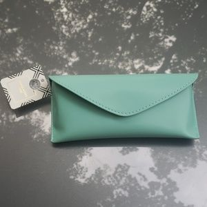Tiffany Blue Magnetic Closure Sunglasses Case